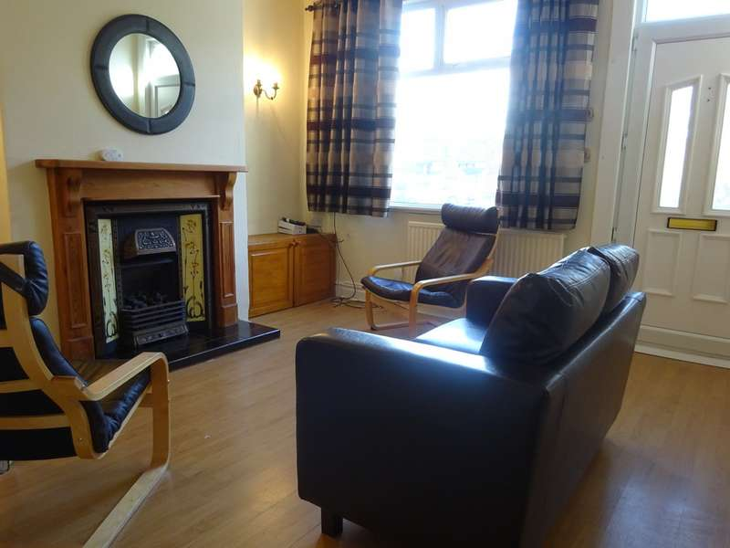 4 Bedrooms Terraced House for rent in Featherbank Grove, Horsforth LS18