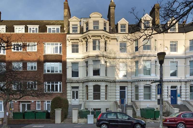 2 Bedrooms Maisonette Flat for sale in Castle Hill Avenue, Folkestone CT20