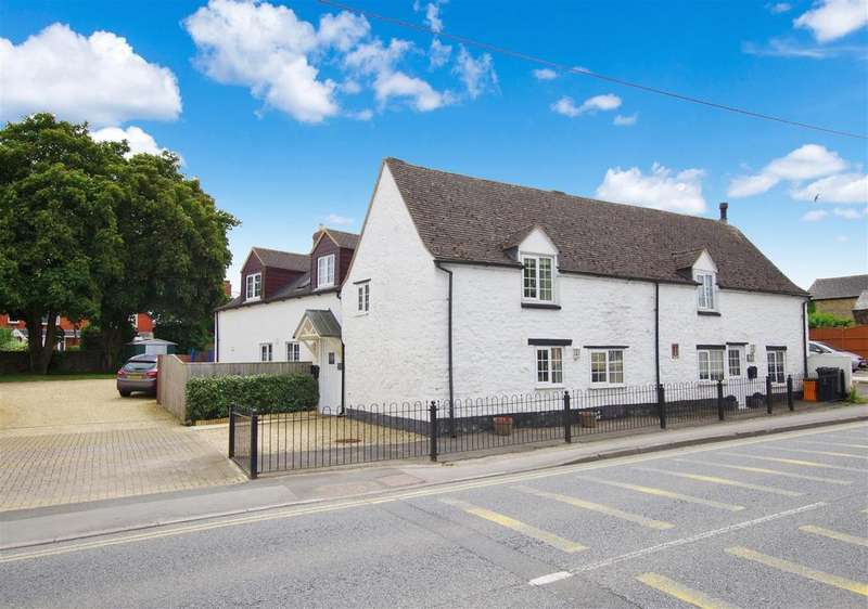 4 Bedrooms Cottage House for sale in Lechlade Road, Highworth