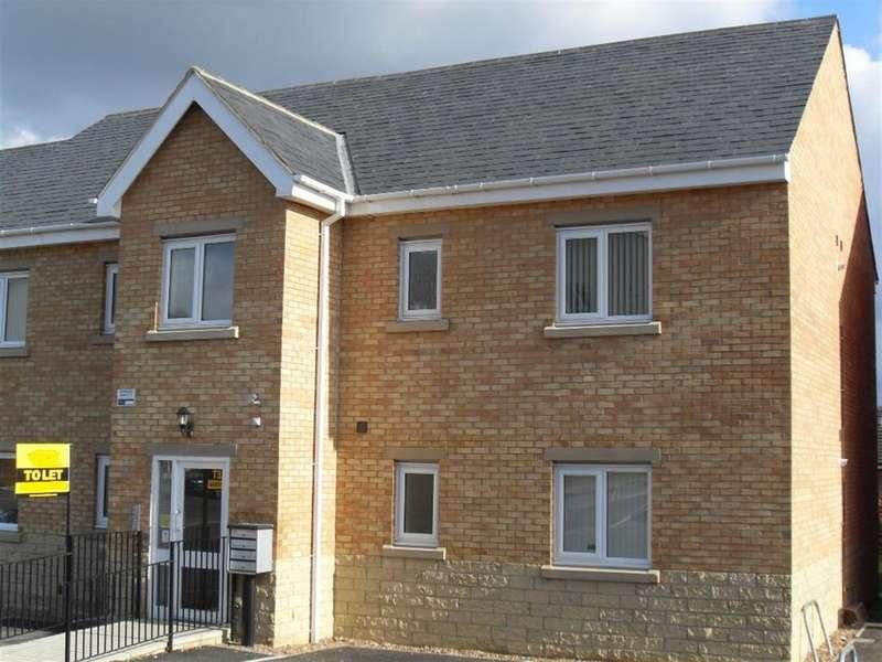 2 Bedrooms Ground Flat for rent in Lemans Drive, Dewsbury, WF13 4AL