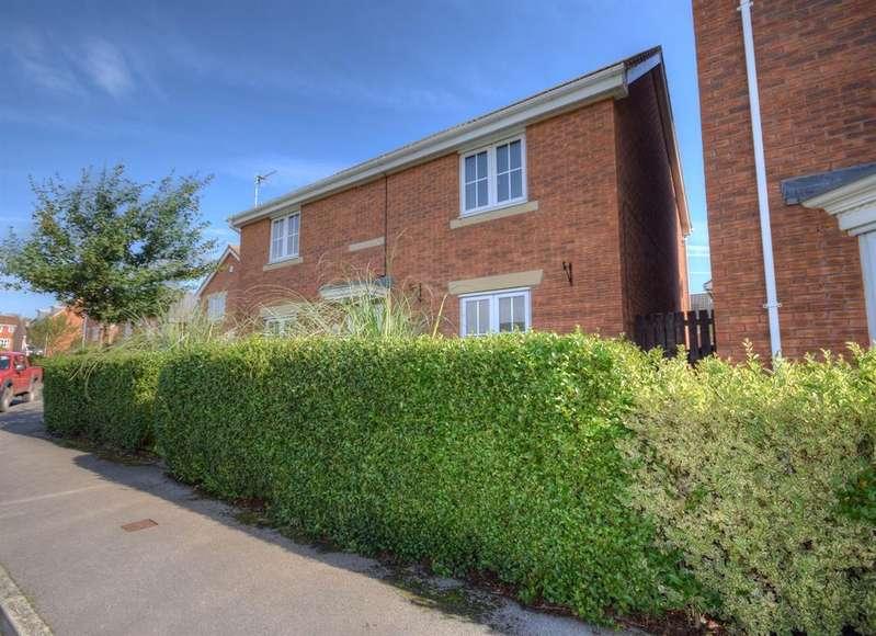 4 Bedrooms Detached House for sale in Cotterdale Close, Bridlington, YO16 6RP