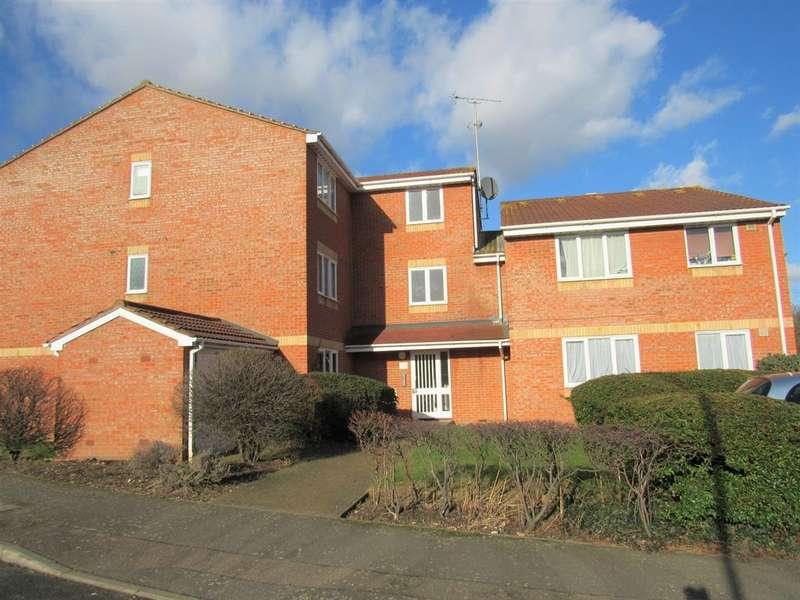 Studio Flat for sale in New Road, Hackbridge, Surrey, CR4 4LT