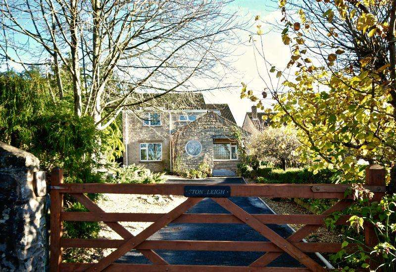 5 Bedrooms Detached House for sale in Fayreway, Croscombe, Wells