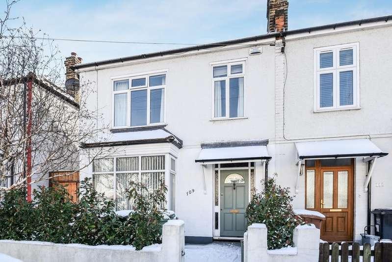4 Bedrooms Semi Detached House for sale in Dallinger Road Lee SE12