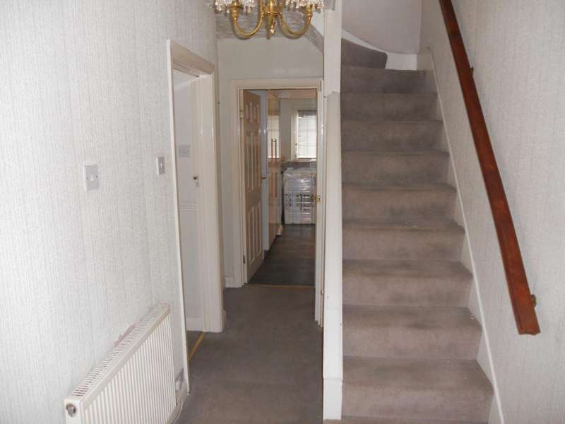 3 Bedrooms End Of Terrace House for rent in Weymouth Road, Hayes, UB4 8NF