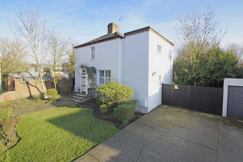 3 Bedrooms Detached House for sale in Powder Mill Lane, Dartford, DA1 1NT