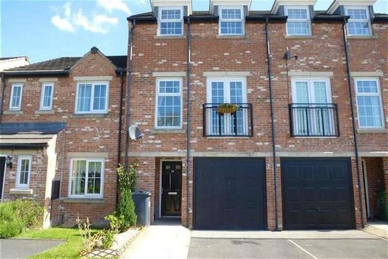 3 Bedrooms Town House for sale in Calder View, Mirfield, WF14 8JD