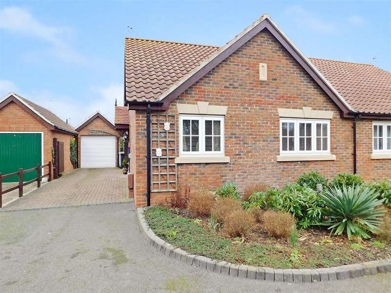 2 Bedrooms Semi Detached Bungalow for sale in Wagoners Walk, Skegness, PE25 2LU