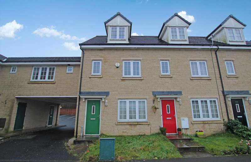 3 Bedrooms Semi Detached House for sale in Astbury Chase Darwen BB3 3BD