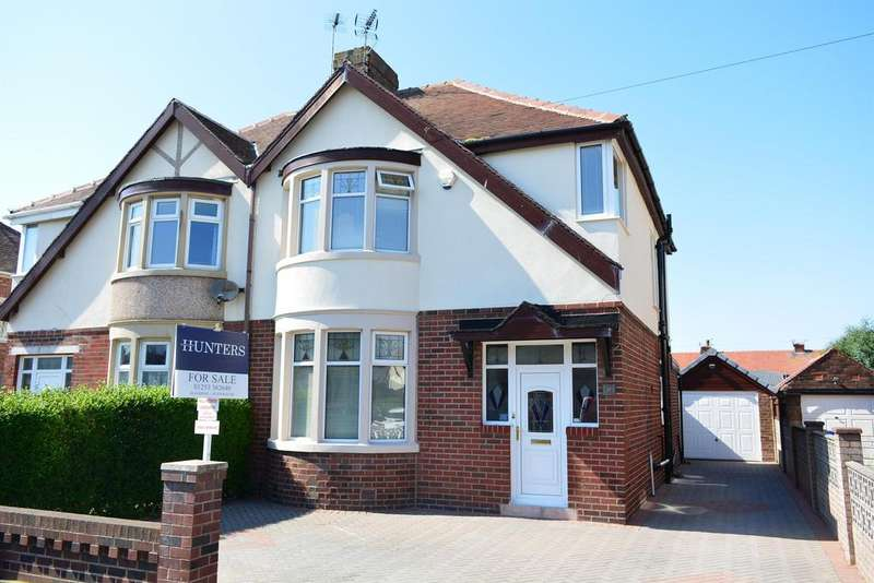 3 Bedrooms Semi Detached House for sale in Faringdon Avenue, South Shore, Blackpool, FY4 3QQ