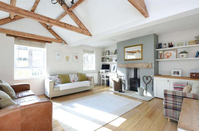 3 Bedrooms Semi Detached House for sale in Mill Lane, Clanfield, Bampton, OX18 2RT