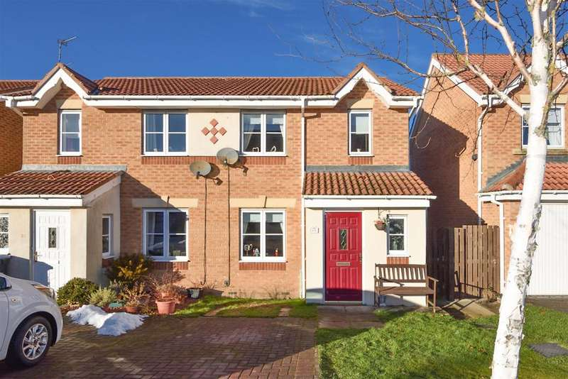 3 Bedrooms Semi Detached House for sale in Fenwick Way, Consett, DH8 5FE