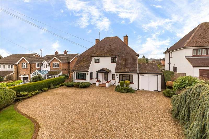 4 Bedrooms Detached House for sale in Park Lane, Knebworth, Hertfordshire