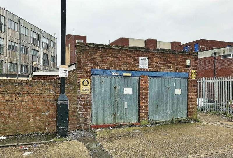 1 Bedroom Garages Garage / Parking for sale in Botwell Lane, Hayes, UB3
