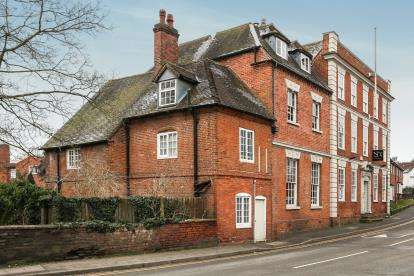 2 Bedrooms Flat for sale in St. Pauls House, High Street, Birmingham, Warwickshire