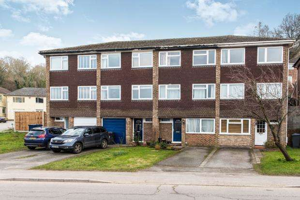 3 Bedrooms Terraced House for sale in Godalming, Surrey