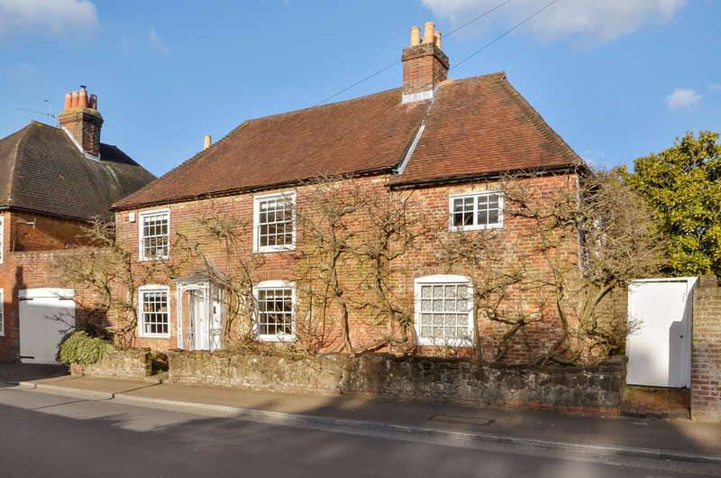 5 Bedrooms Semi Detached House for sale in Portchester, Hampshire