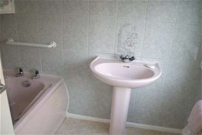 3 Bedrooms House for rent in COACH ROAD, THROCKLEY
