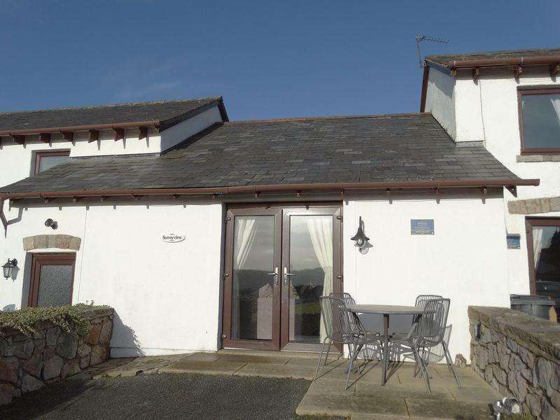 2 Bedrooms Bungalow for sale in Hwylfa Ddafydd, Tanygraig Road, Colwyn Bay
