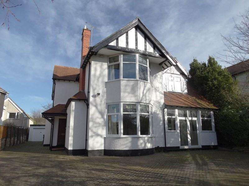 4 Bedrooms Detached House for sale in 34 Francis Avenue, Rhos on Sea