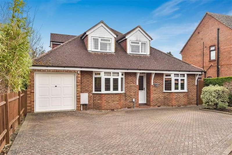 4 Bedrooms Detached House for sale in Woking Road, Guildford, Surrey, GU1
