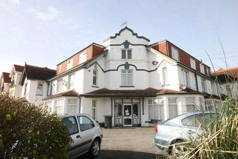 2 Bedrooms Apartment Flat for sale in Brython Apartments, Llandudno