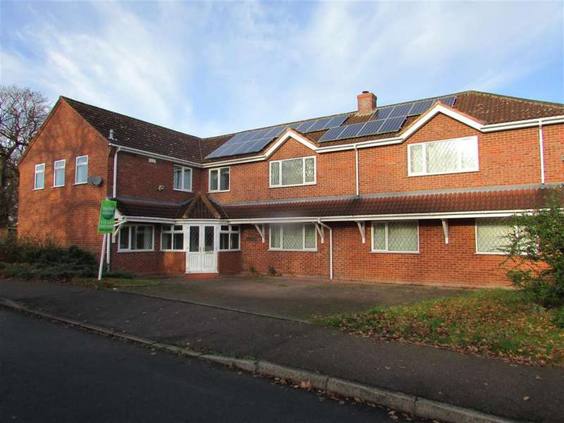 4 Bedrooms Detached House for rent in Carnoustie, Tamworth, Staffordshire