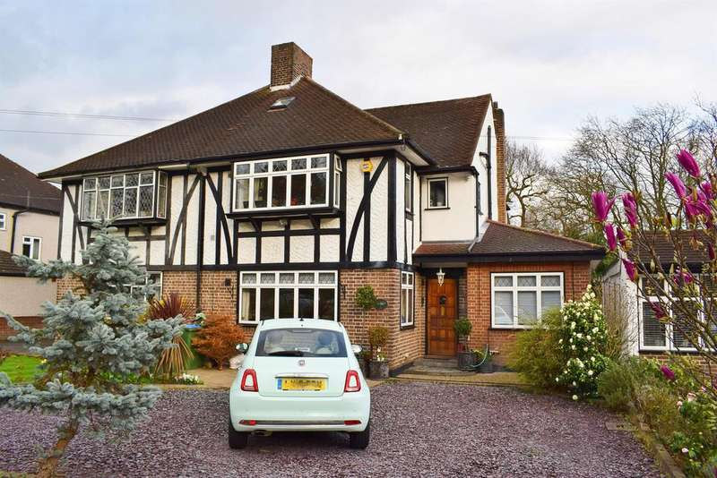 3 Bedrooms Semi Detached House for sale in Crown Woods Way, Eltham Heights, London, SE9 2NJ