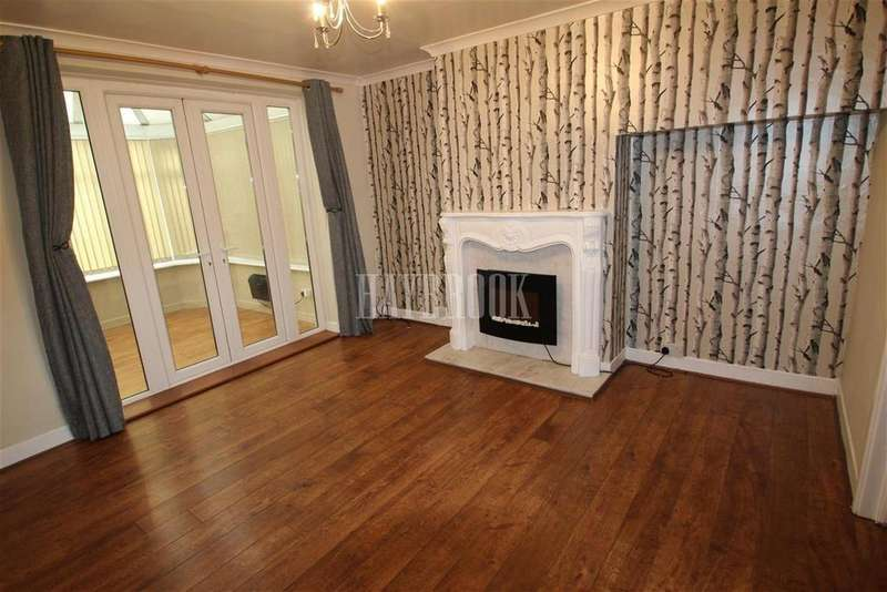 2 Bedrooms Detached House for rent in Rainbow Avenue, S12