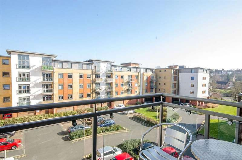 2 Bedrooms Apartment Flat for sale in Wallis Place, Hart Street, Maidstone, Kent, ME16
