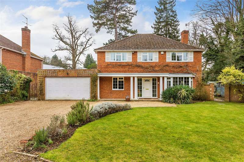 5 Bedrooms Detached House for sale in Mylor Close, Horsell, Surrey, GU21