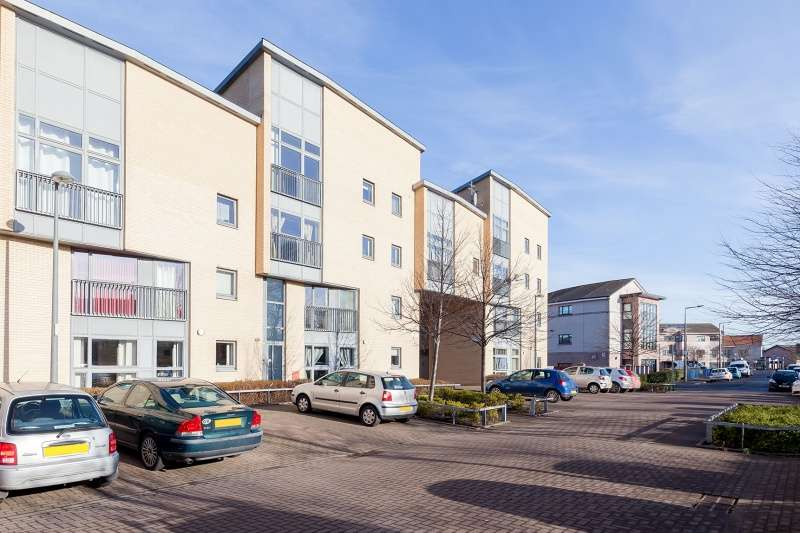 2 Bedrooms Flat for sale in Cakemuir Grove, Niddrie, Edinburgh, EH16 4FN