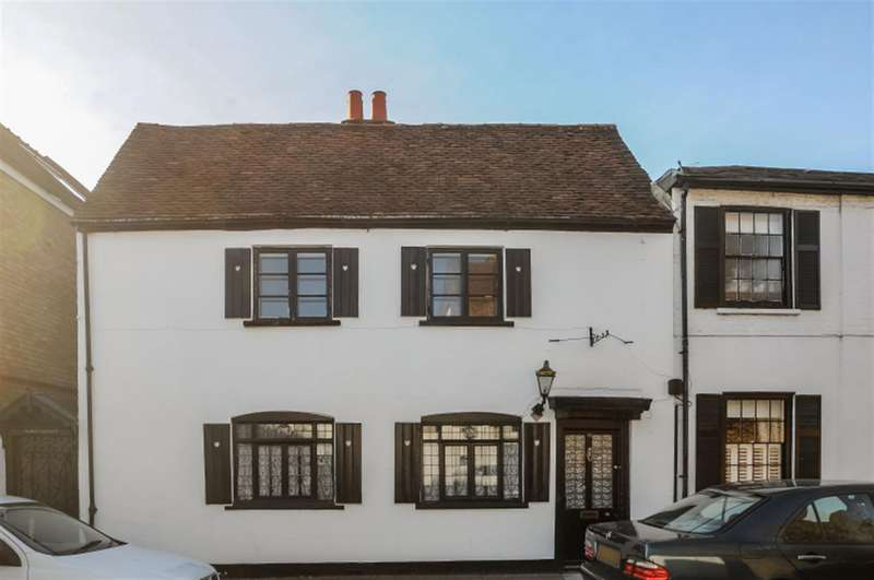 3 Bedrooms Property for rent in High Street, Thames Ditton