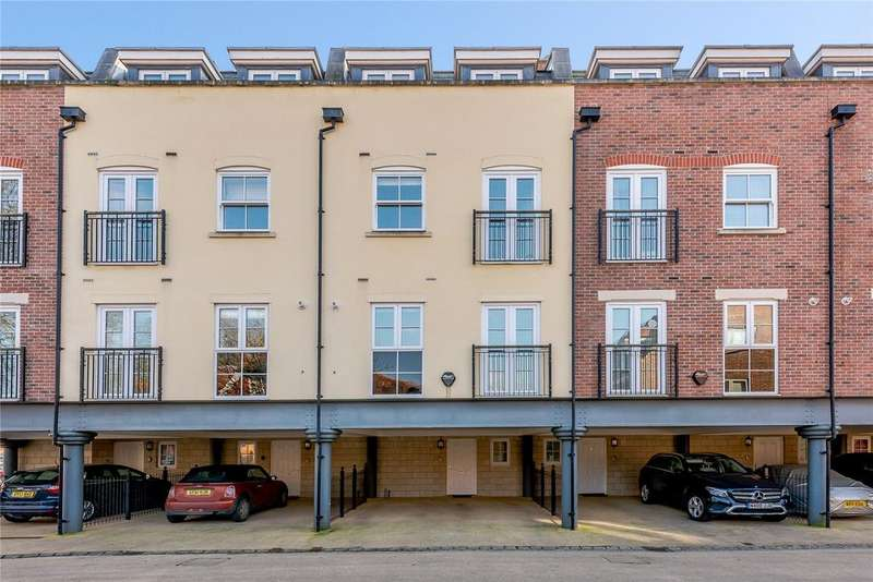 4 Bedrooms Town House for sale in Keats Way, Chichester, West Sussex