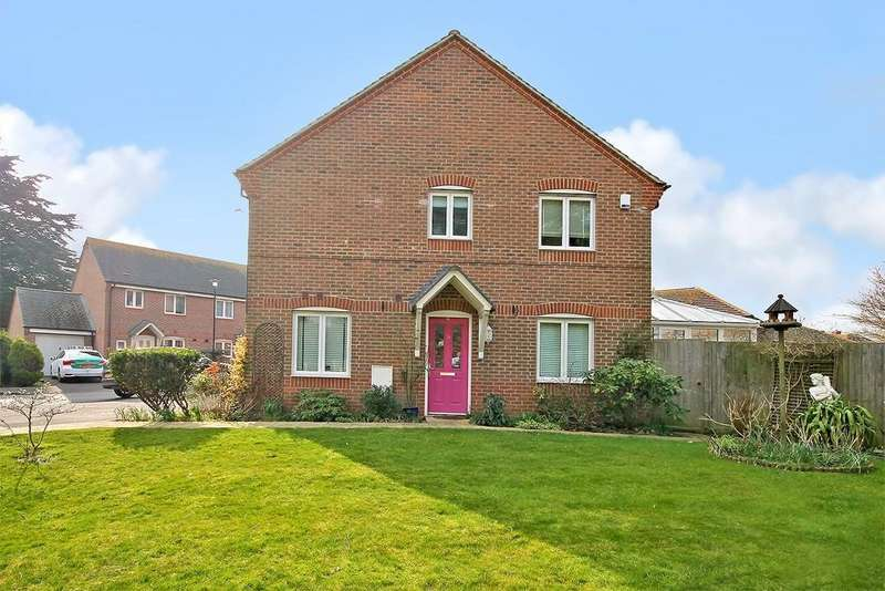 3 Bedrooms Semi Detached House for sale in The Limes, Rustington BN16 3AQ