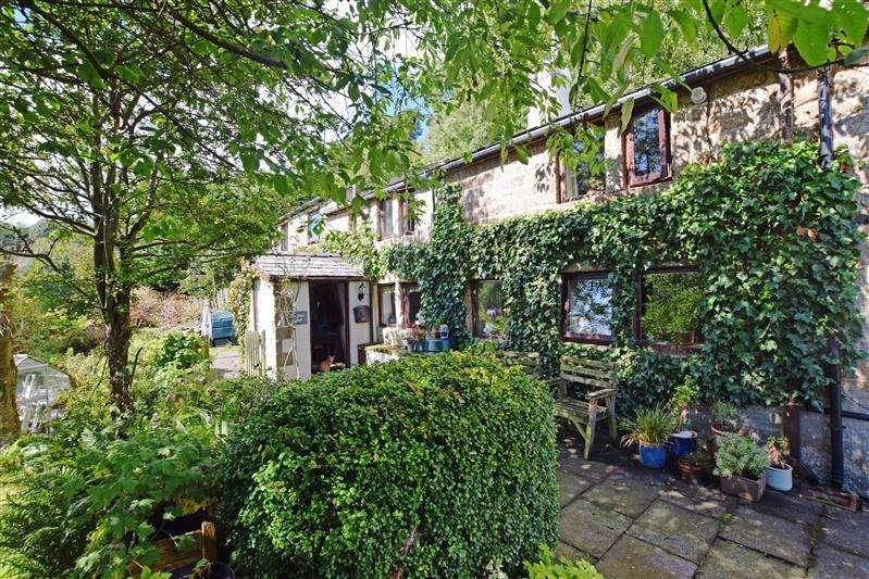 4 Bedrooms Semi Detached House for sale in Castle Lane, Todmorden OL14