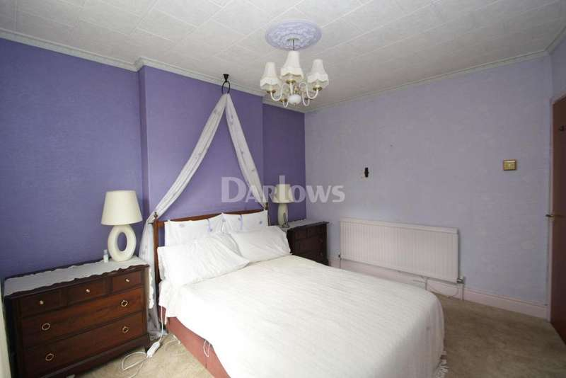 3 Bedrooms Detached House for sale in Kenneth House, New Road