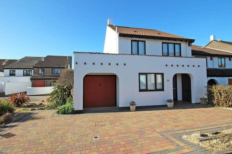 3 Bedrooms Semi Detached House for sale in Shinglebank Drive, Milford On Sea, Lymington