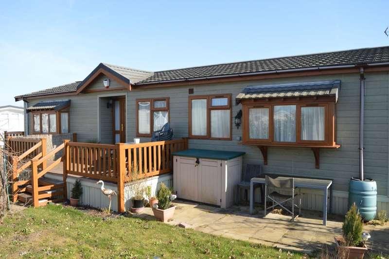 3 Bedrooms Detached House for sale in Shottendane Road, Birchington, CT7