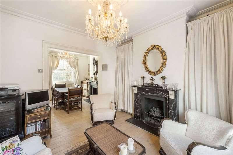 3 Bedrooms Terraced House for sale in Banbury Street, Battersea, London, SW11
