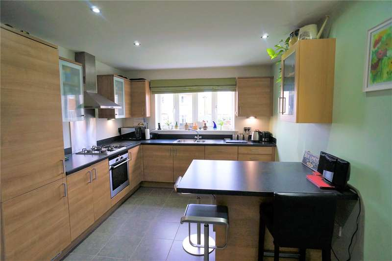 3 Bedrooms End Of Terrace House for sale in Bronte Close, Cliffe Woods, Rochester, Kent, ME3