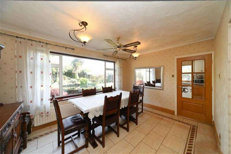 3 Bedrooms Detached House for rent in Richards Close, Hayes, Middlesex