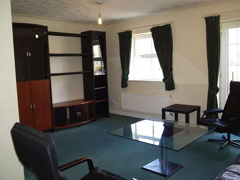 4 Bedrooms Town House for rent in Highgrove Close N11