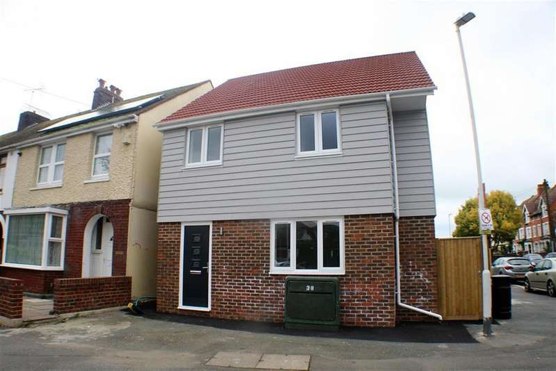 3 Bedrooms Detached House for sale in FOLKESTONE. KENT