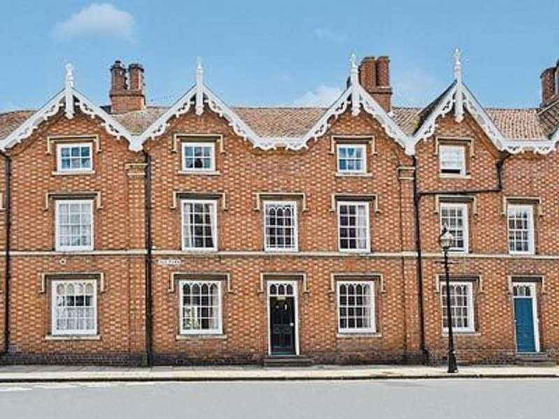 4 Bedrooms Terraced House for rent in Old Town, Stratford-Upon-Avon