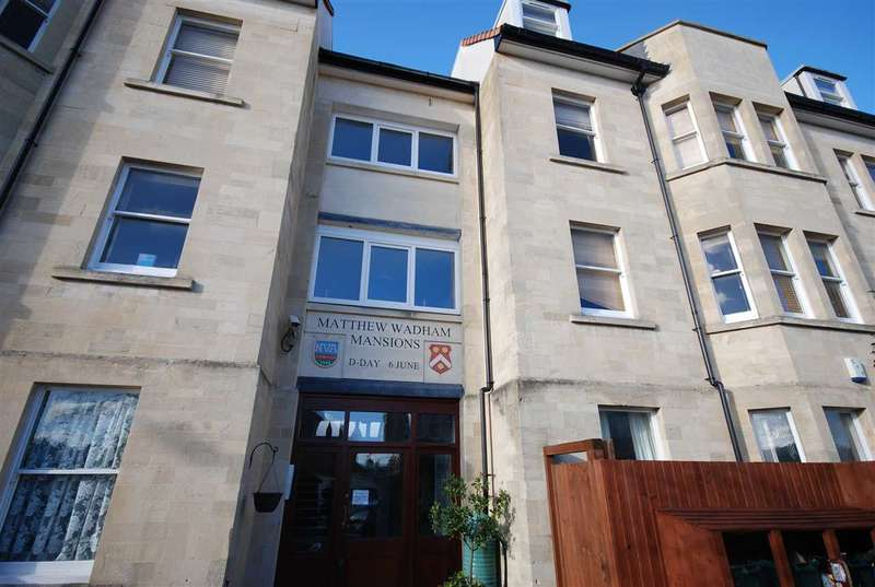3 Bedrooms Apartment Flat for rent in Top Floor Flat Balmoral Road