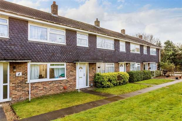 3 Bedrooms Terraced House for sale in Home Farm Gardens, WALTON-ON-THAMES, Surrey