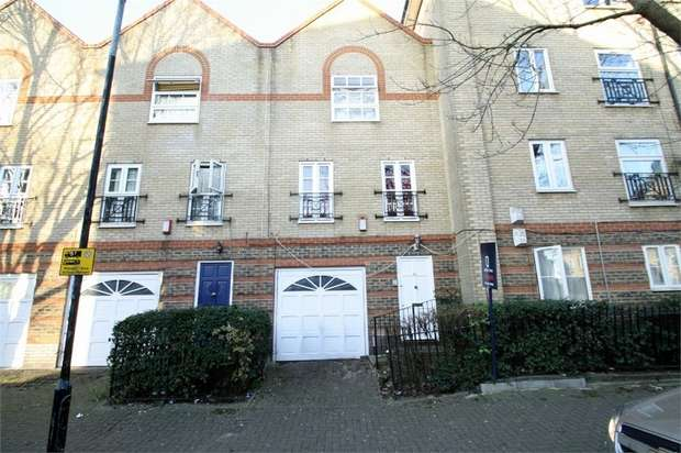 3 Bedrooms Terraced House for sale in Viscount Drive, Beckton, London