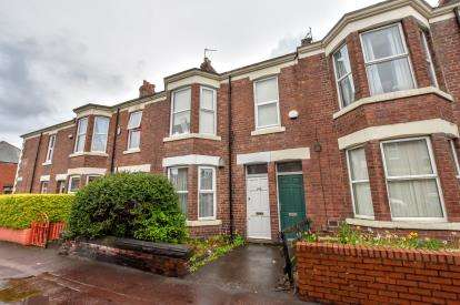 4 Bedrooms Maisonette Flat for sale in Simonside Terrace, Heaton, Newcastle Upon Tyne, Tyne and Wear, NE6