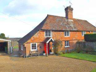 3 Bedrooms Semi Detached House for sale in Seacox Cottages, High Street, Hawkhurst, Cranbrook